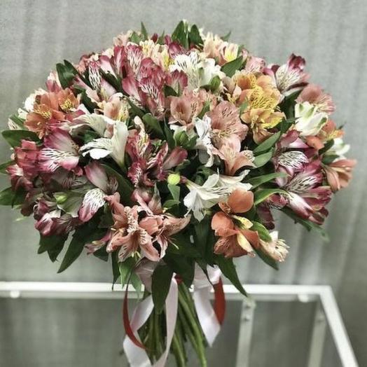 Охапка альстромерий: букеты цветов на заказ Flowwow