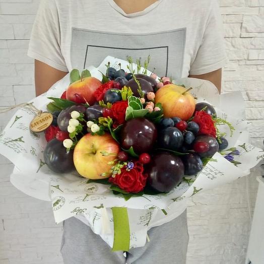 """Fruity bouquet with plums """"Plum garden"""""""