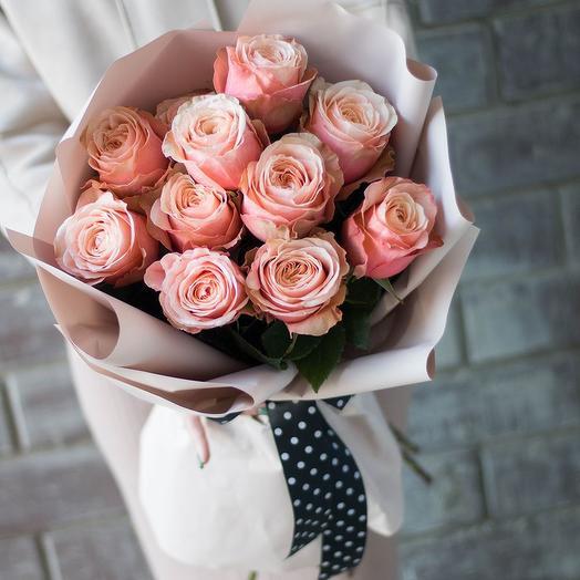 Букет 11 персиковых роз