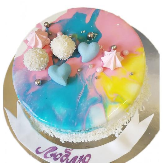 Муссовый торт с безе и конфетками