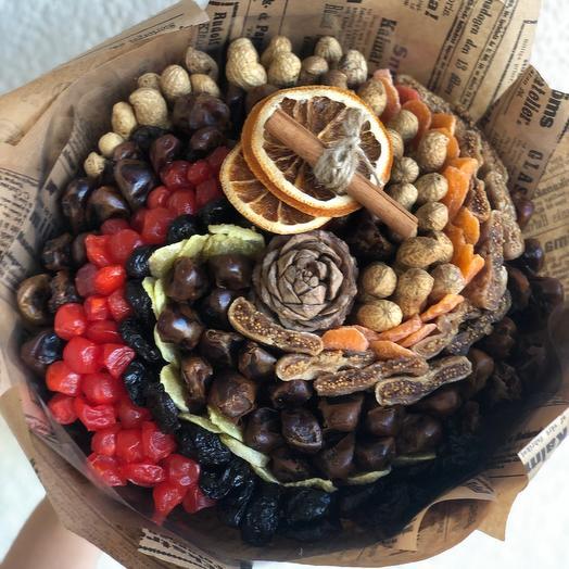 Съедобный букет из сухофруктов и орехов