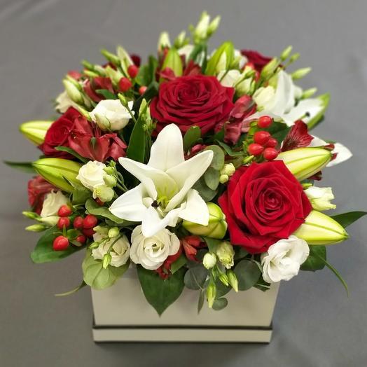"""Цветы в коробке """"Диор"""""""