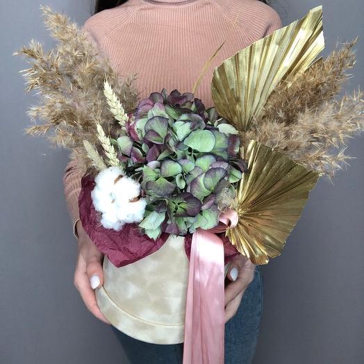 Бархатная коробочка с сухоцветами