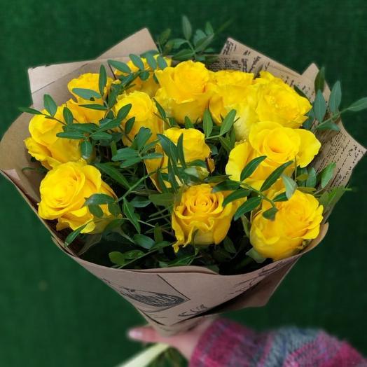 13 жёлтых роз