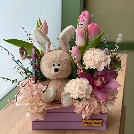 Зайка с тюльпанами