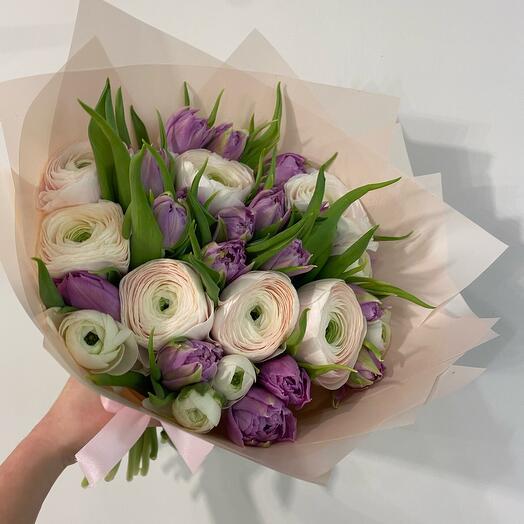 Ранункулюсы и тюльпаны М