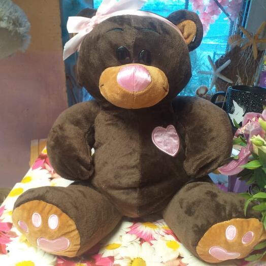Медведь коричневый с повязкой