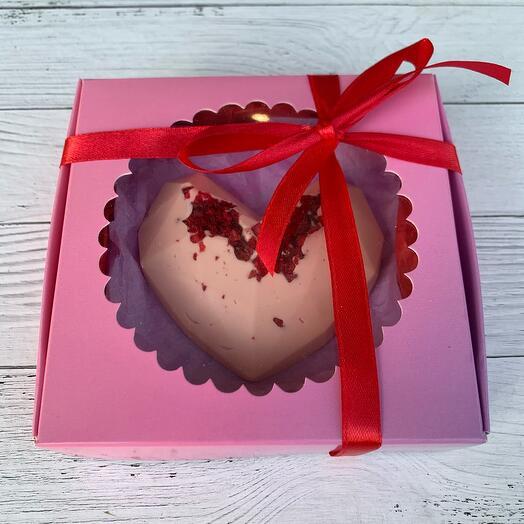 Шоколад ручной работы «Сердце с вишней»