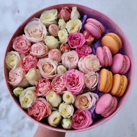 Круглая коробка со сладостями