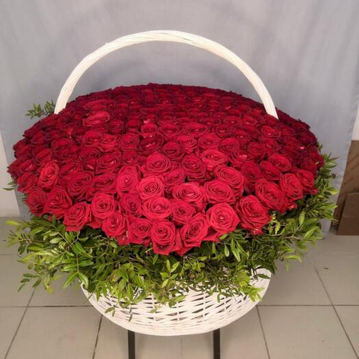 201 Роза в корзине