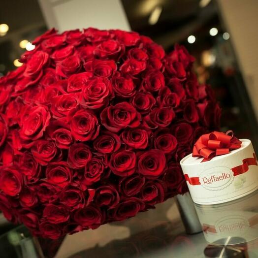 101 роза и конфеты