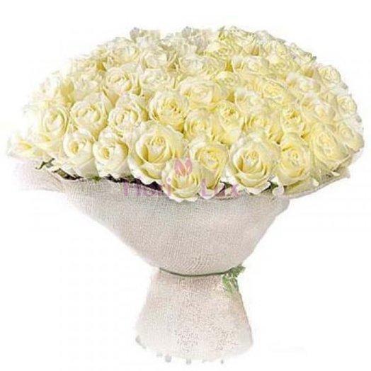 Букет из 101 белой розы Облако: букеты цветов на заказ Flowwow
