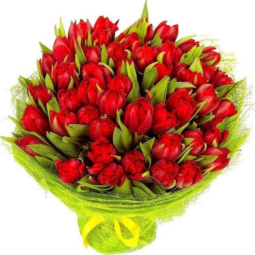51 тюльпан Пламенный: букеты цветов на заказ Flowwow