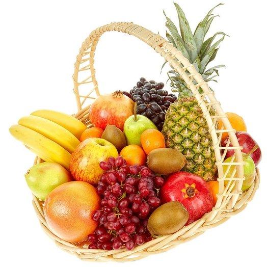 Корзина фруктов Подарок с Юга: букеты цветов на заказ Flowwow