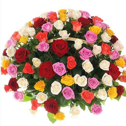 101 роза в корзине: букеты цветов на заказ Flowwow