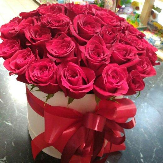 Шляпная коробочка стрела Амура: букеты цветов на заказ Flowwow