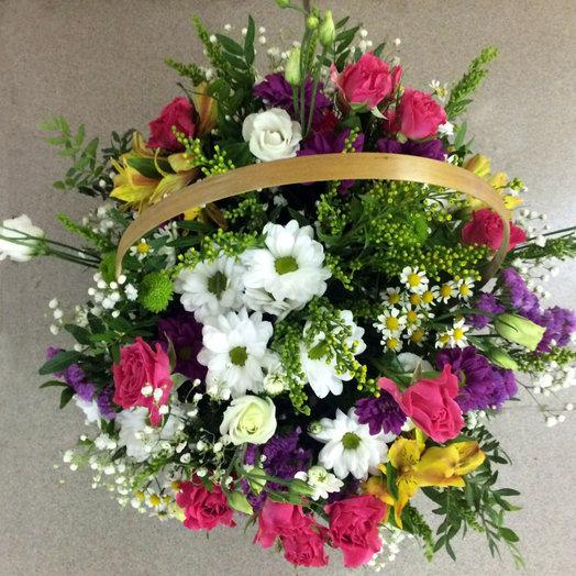 Корзиночка из сборных цветов: букеты цветов на заказ Flowwow