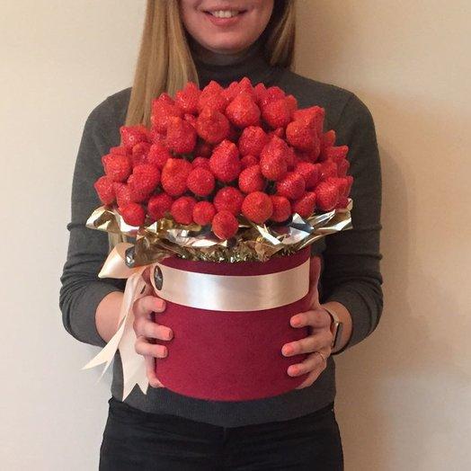 Клубничный экстаз: букеты цветов на заказ Flowwow
