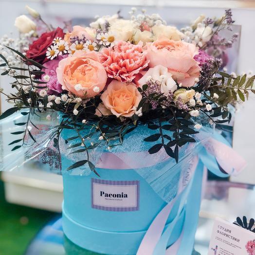 Коробка 38: букеты цветов на заказ Flowwow