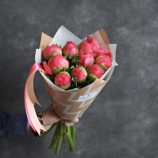 Букет из коралловых пионов Корал Шарм: букеты цветов на заказ Flowwow