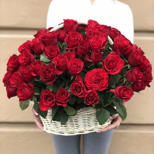 101 rose in a basket