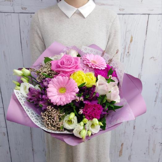 Авторский букет из роз, минигерберы, тюльпанов Романтика: букеты цветов на заказ Flowwow