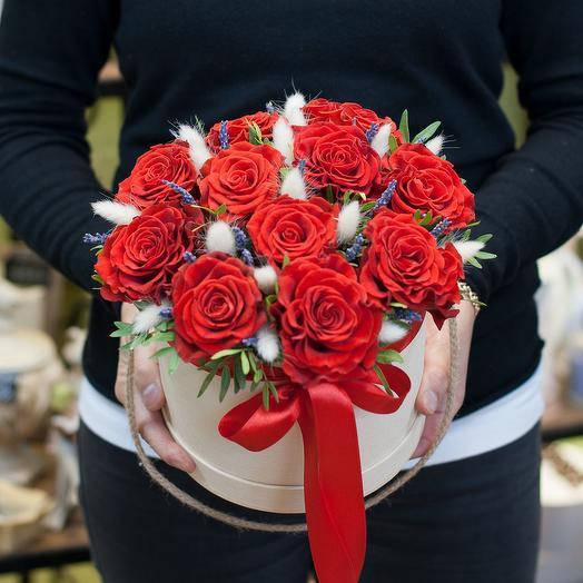 Коробка с цветами Red Majic