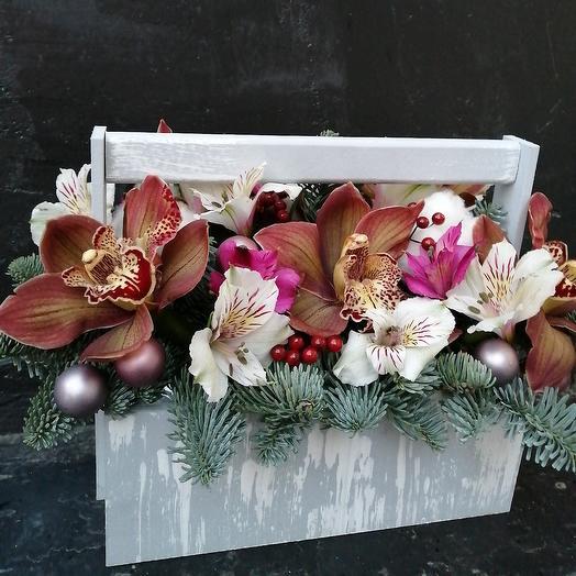 Ящик с орхидей: букеты цветов на заказ Flowwow