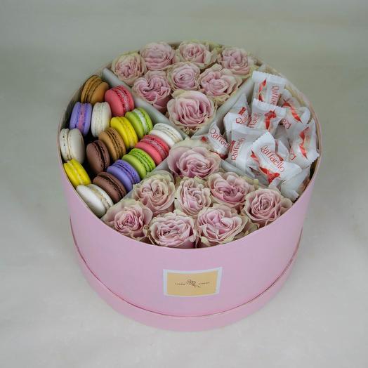 Розы со сладостями