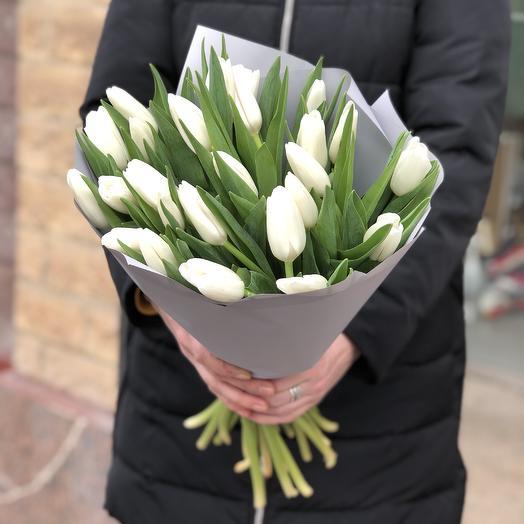 Моно букет белых Тюльпанов 25шт