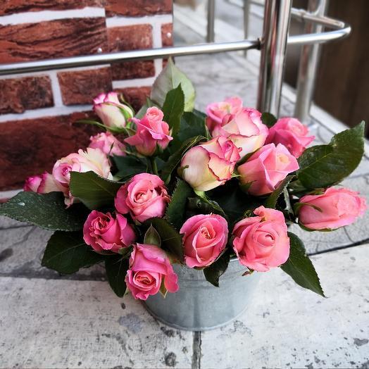 Розы в ведре