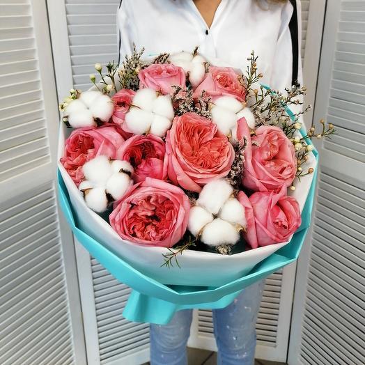 Ароматная пионовидная роза в стильной упаковке