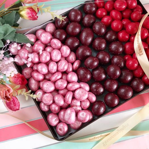 Малина и вишня в шоколаде