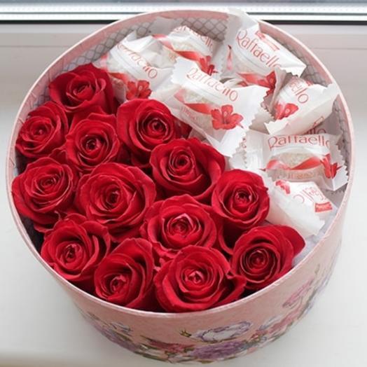 """Цветы и конфеты в коробке """"мерси"""""""