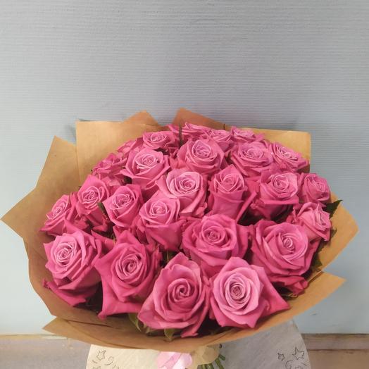 Букет из 25 подмосковных роз