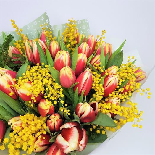 Тюльпаны красно жёлтые