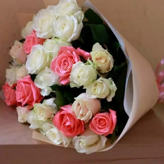 Букет 23 розы микс