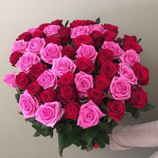 Букет из 51 розовой и красной розы