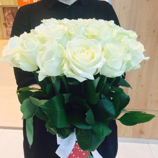 17 белых роз. Чувство обожания: букеты цветов на заказ Flowwow