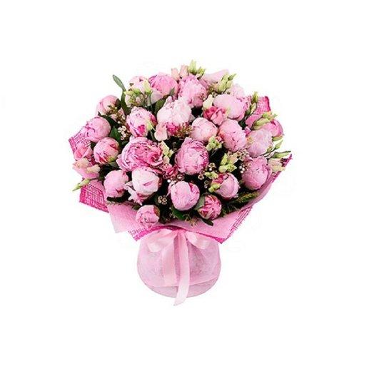 Букет из 31 розовых пионов с шамелациум: букеты цветов на заказ Flowwow