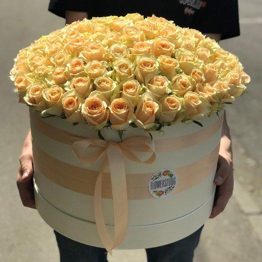 Коробки с цветами. Роза кремовая. 101 роза. N165: букеты цветов на заказ Flowwow
