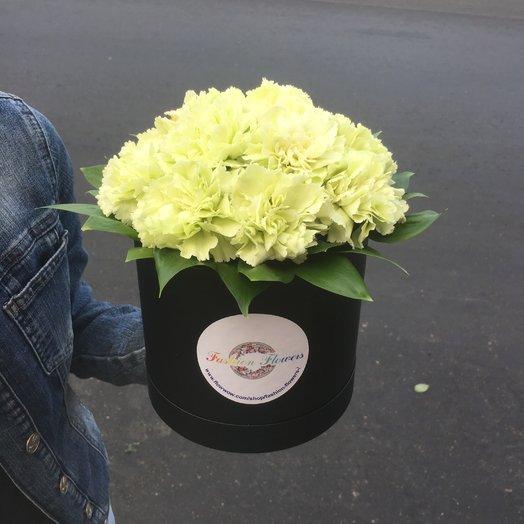 Коробочка из белой гвоздики: букеты цветов на заказ Flowwow