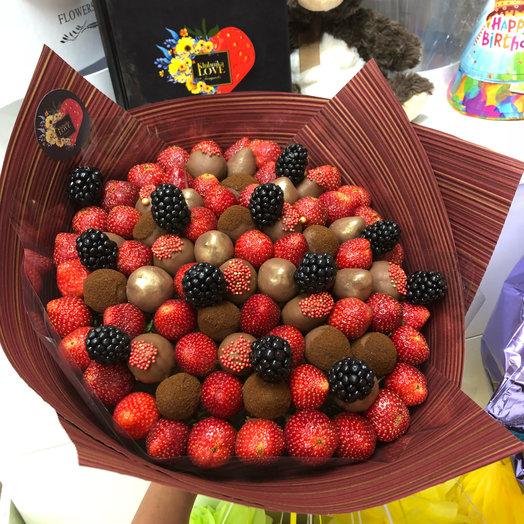Букет из клубники Шоколадное лакомство: букеты цветов на заказ Flowwow