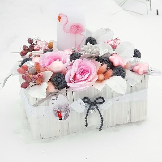 """Композиция новогодняя """"Розовый фламинго"""": букеты цветов на заказ Flowwow"""