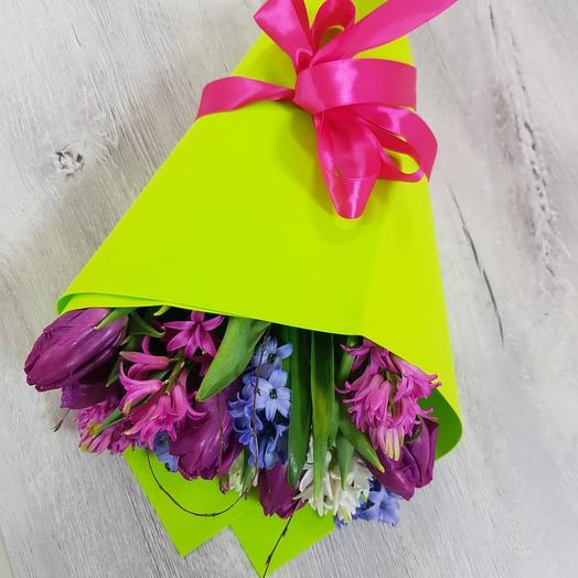 Букет с гиацинтами и пионовидными тюльпанами: букеты цветов на заказ Flowwow
