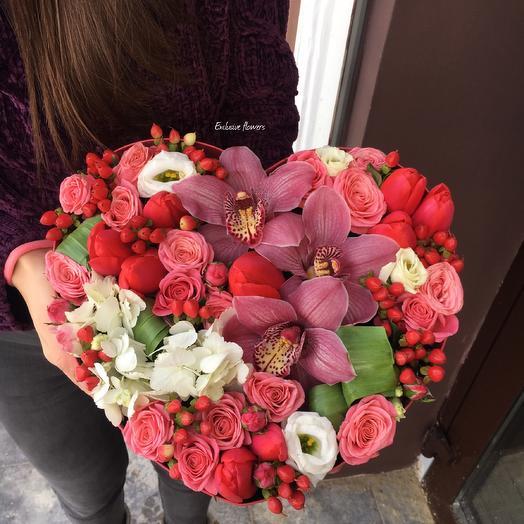 Коробка с цветами 14: букеты цветов на заказ Flowwow