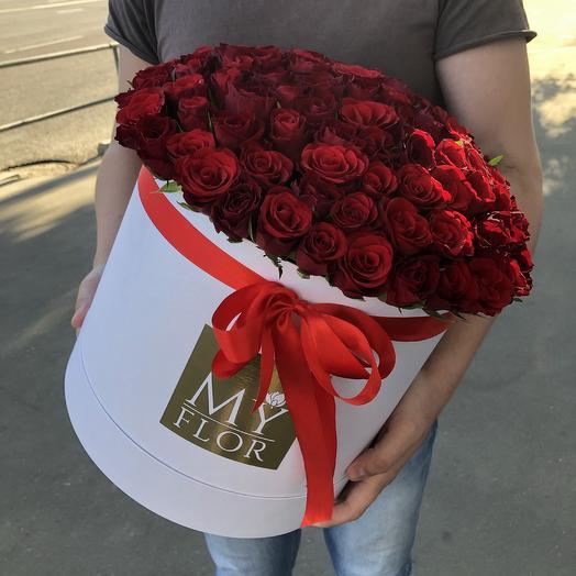 101 роза в большой шляпной коробке: букеты цветов на заказ Flowwow