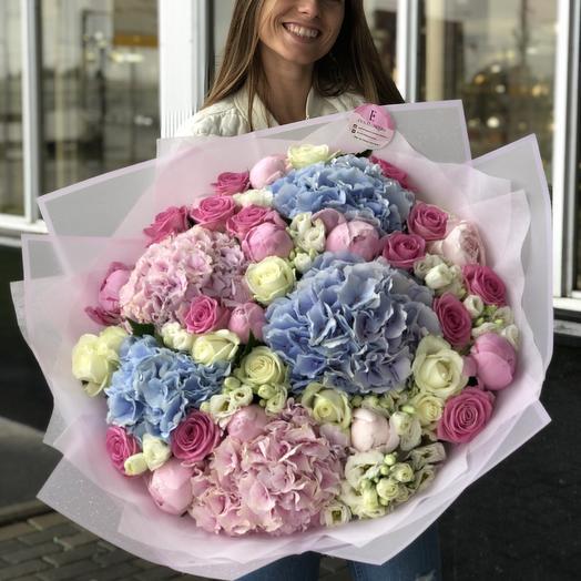 Для самой очаровательной: букеты цветов на заказ Flowwow