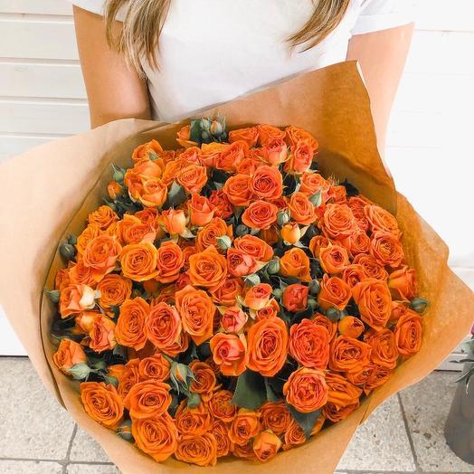25 кустовых роз в крафте: букеты цветов на заказ Flowwow