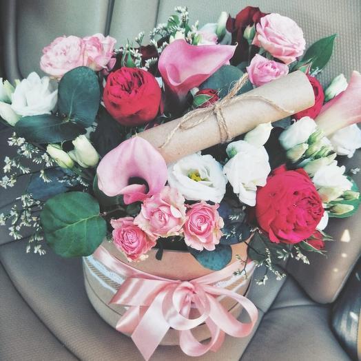 Шляпная коробочка с посланием: букеты цветов на заказ Flowwow